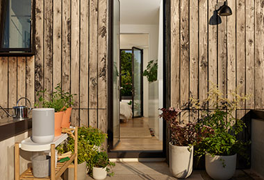 Move Lunar White Lifestyle Porch