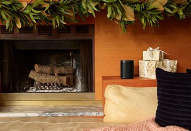 One_SL_Black_Fireplace